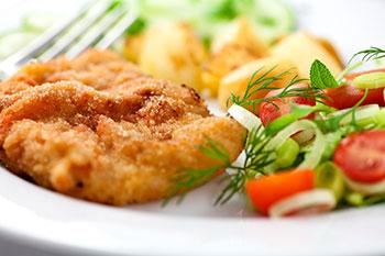 Schultheiss-Speisekarte-Mittagstisch-Schnitzel-Wiener-Art-Salat